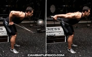 Patadas de triceps en polea